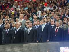 Wert, Artur Mas, el rey Felipe y Ángel María Villar, en el momento de la sonora pitada al himno (GTRES)