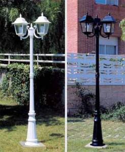 Farolas para iluminar y asegurar el perímetro del jardín.