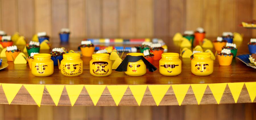 Revive el espíritu de nuestros nostálgicos juguetes con los más pequeños en el blog de Reparalia, tu empresa de reparaciones del hogar en todo el país.