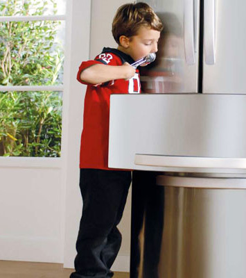 Organiza bien tu frigorífico para realizar un consume eficiente y no tirar comida, gracias a los consejos de los profesionales del Hogar de Reparalia.