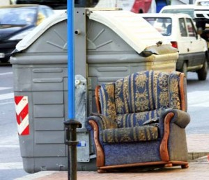 Aprende con salvador de la casa el mejor profesional del hogar de reparalia a reciclar - Como reciclar muebles viejos ...