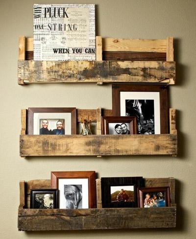 Una estantería Vintage muy auténtica: palés y un poco de imaginación