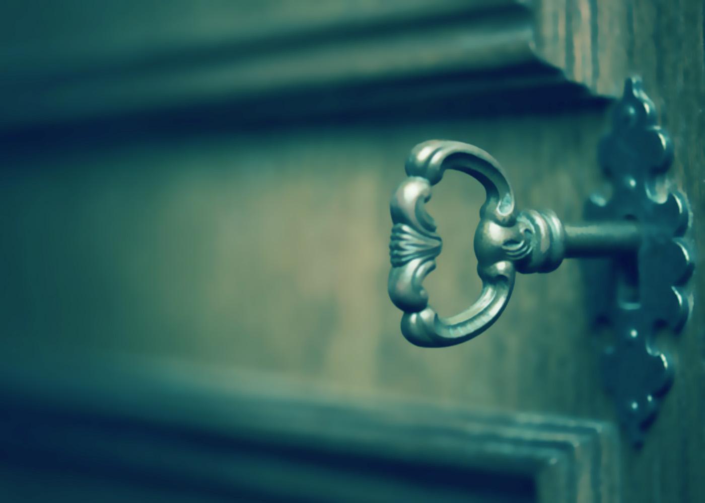 Abrir puerta cerradura atascada