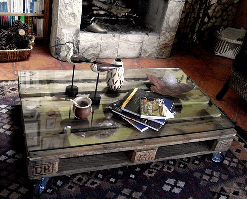 Mesa baja realizada con palés - decoración low cost DIY