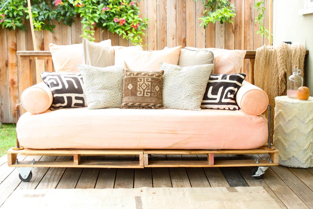 tu nuevo sofá hecho de palés