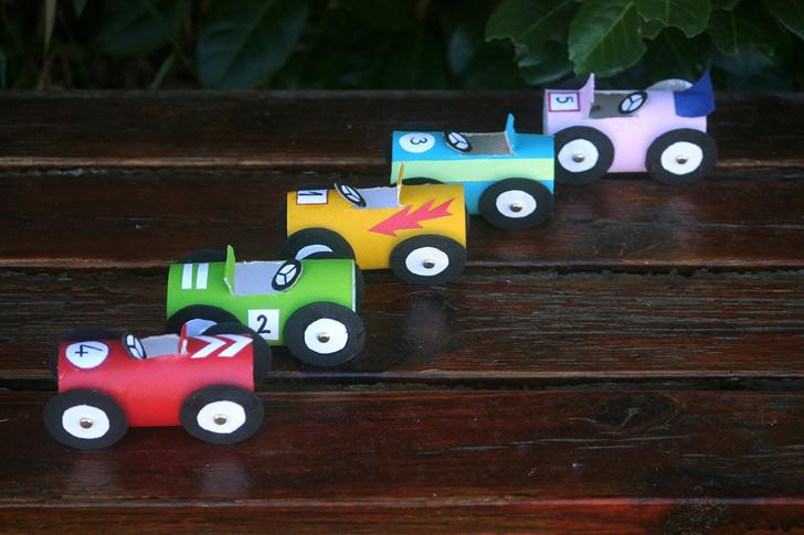 ¿Un tubo de cartón que se convierte en un coche de carreras? ¡Con Reparalia todo es posible!