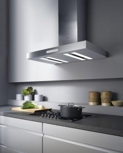 Los profesionales del hogar de Reparalia te enseñan cómo mantener tu cocina limpia y segura contra incendios en el videoconsejo de hoy