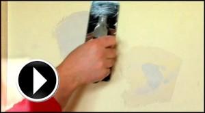 Aprende a tapar grietas y agujeros antes de pintar en casa con este práctico video consejo de nuestros profesionales