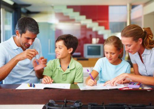 Ayuda a tus hijos a superar la vuelta al cole con éxito gracias a estos consejos de nuestros profesionales del hogar. Deberes, estudios y trabajos en casa, en las mejores condiciones con unos sencillos trucos para mejorar su rendimiento escolar.