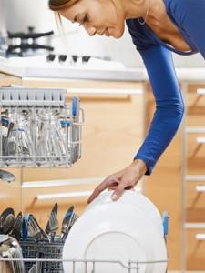 Los especialistas de Reparalia, técnicos profesionales de electrodomésticos, te dan algunos consejos para llevar a cabo un buen mantenimiento de tu lavavadora y tu lavavajillas, para ahorrar dinero en averías y reparaciones.