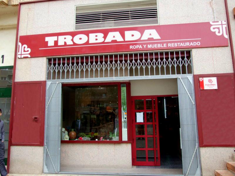 Segunda mano un hogar con mucho oficio - Muebles de segunda mano en asturias ...