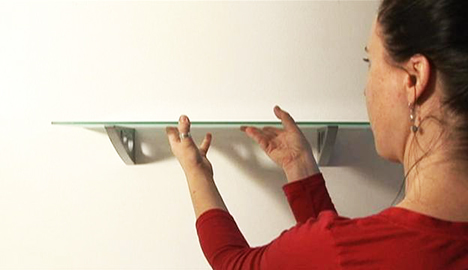 C mo puedo calcular el peso que se puede colgar en una for Como poner un espejo en la pared
