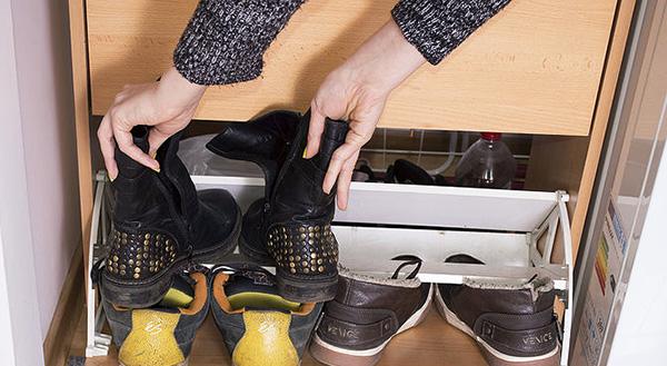 Los profesionales del hogar de Reparalia te dan algunos trucos para realizar tu cambio de armario ante la nueva temporada de verano: sigue sus consejos para disponer de tu ropa en perfectas condiciones y organizar mejor tu casa y tus prendas de moda ante la llegada del calor.