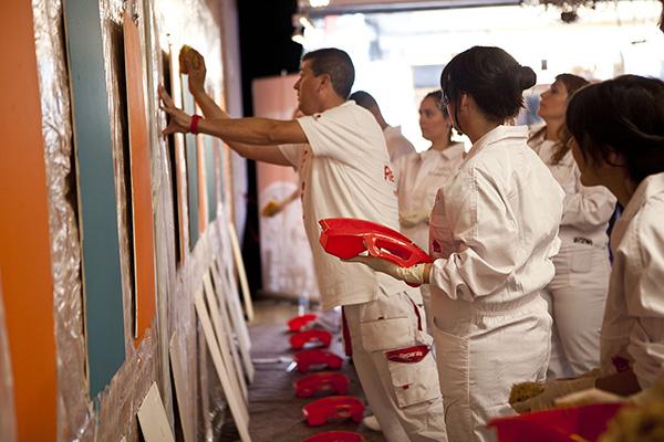 Los mejores blogueros de decoración, hogar y DIY del país nos acompañaron en nuestro I Workshop Reparalia de pintura decorativa, junto a nuestro maestro pintor Javier Cruz. Descubre los trucos, ideas y consejos para tu casa que salieron de aquí y disfruta de los buenos ratos que pasamos juntos.