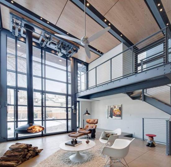 Si quieres decorar tu hogar con estilo y ahorrar en la factura de la luz, mira esta selección de ventiladores de techo para complementar o sustituir a un aire acondicionado: más económico, más ecológico y con mucho más estilo.