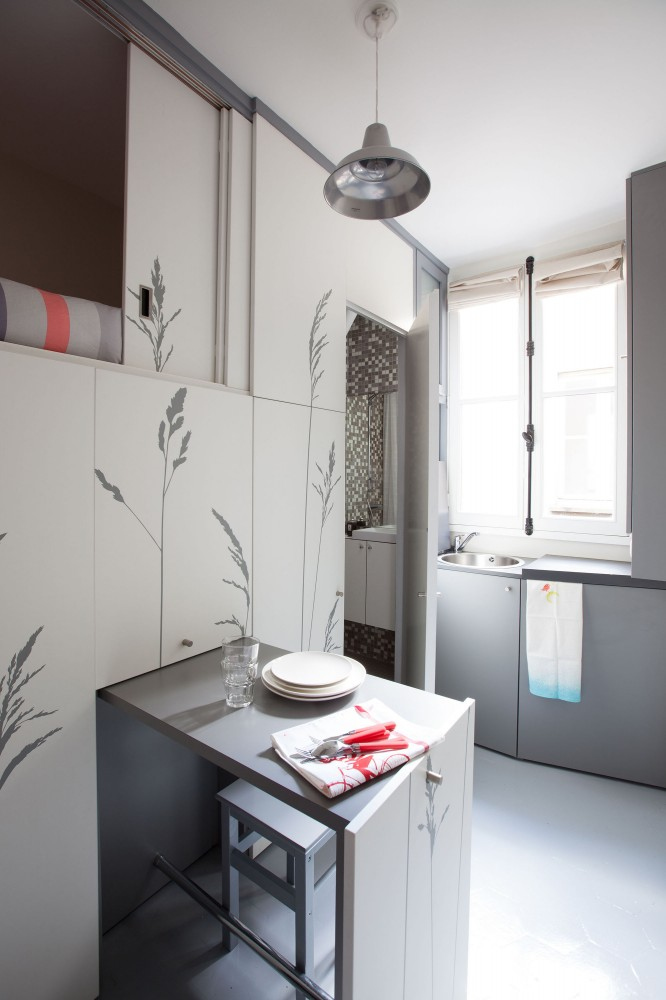 c mo vivir en menos de 10 metros cuadrados un hogar con mucho oficio. Black Bedroom Furniture Sets. Home Design Ideas