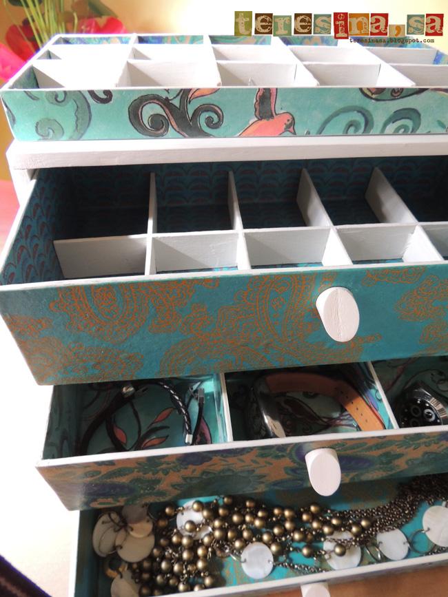 5 ideas para reciclar esas cajas de vino despu s de las - Como hacer un armario de carton ...