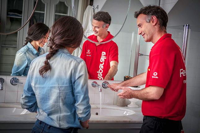 Los profesionales del hogar de Reparalia te ofrecen 3 trucos para renovar tu cuarto de baño y darle nueva vida con una mínima inversión de dinero al aseo de tu casa.