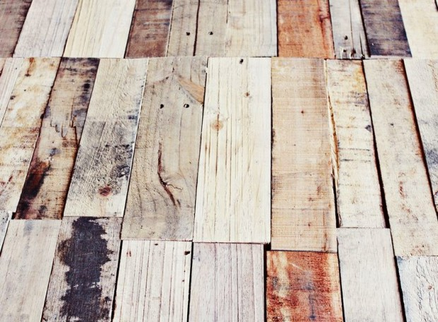 Mesa diy con palets reciclados a lo tetris un hogar - Apliques de pared rusticos ...