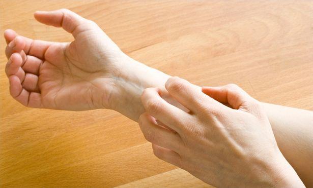 http://Los expertos técnicos del hogar de Reparalia, profesionales de todos los gremios para la reparación de cualquier avería que puedas tener en casa, recopilamos los mejores consejos para prevenir alergias en tu propia vivienda, evitando los principales problemas para alérgicos y asmáticos.img.ehowcdn.com/615x200/ehow/images/a04/jm/uf/treat-allergic-reaction-amoxicillin-800x800.jpg
