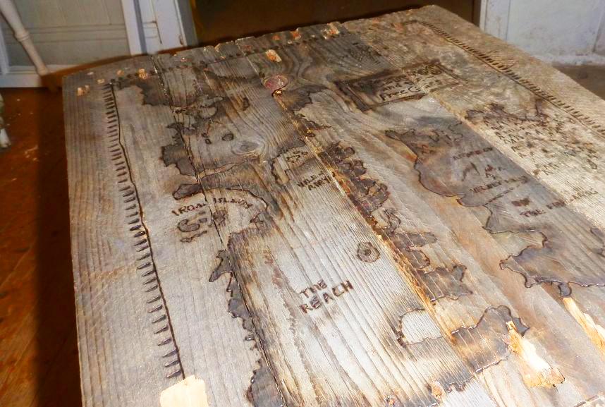 Tu propia mesa de 'Juego de Tronos' DIY (tutorial para Lannisters ...