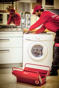 Los profesionales del hogar de Reparalia, expertos en reparación de todo tipo de averías y roturas en tu casa, te traen consejos, ideas y trucos para ahorrar a través de un consumo inteligente cada día.