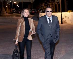 Andrea Fabra junto a su padre, Carlos Fabra