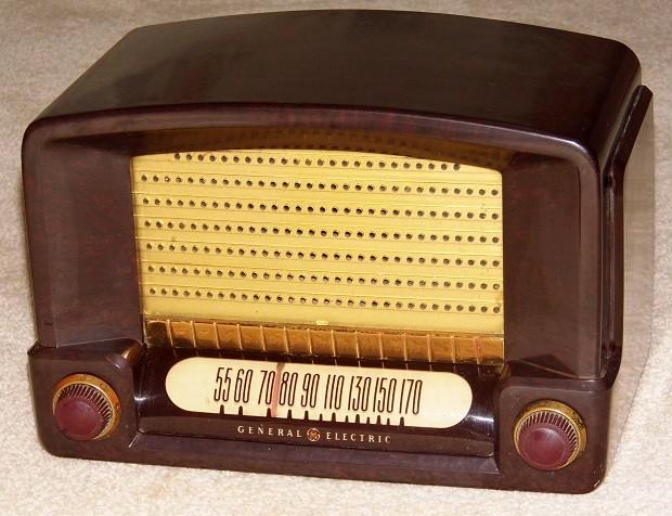 ¿Cuál es el origen de las señales horarias en la radio?