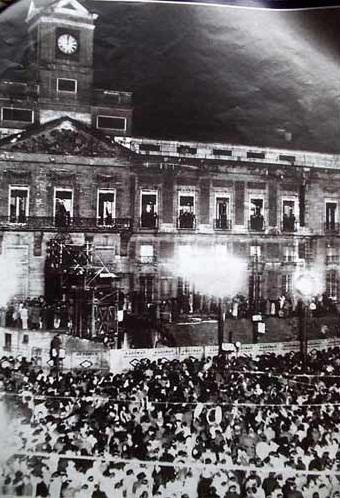 El origen de celebrar la Nochevieja bajo el reloj de la Puerta del Sol
