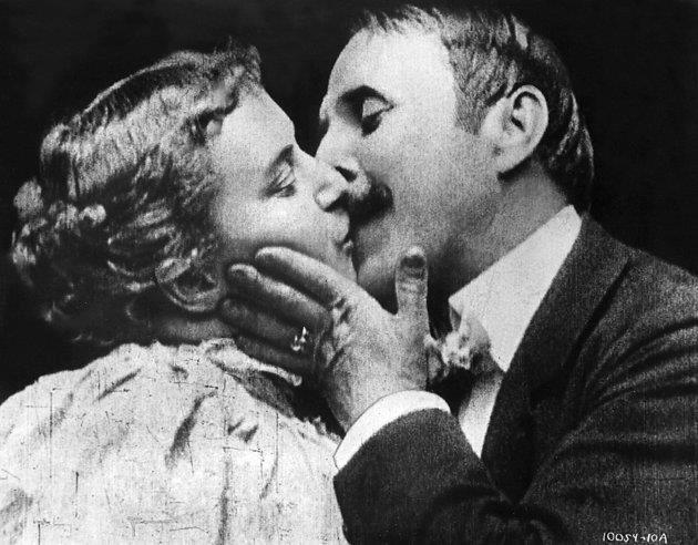 ¿Cuál fue el primer beso de la historia del cine?