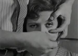 """¿Quién es la actriz a la que Buñuel secciona el ojo en el film """"Un perro andaluz""""?"""