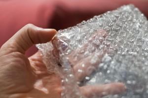 ¿Cuál es el origen del plástico de burbujas?