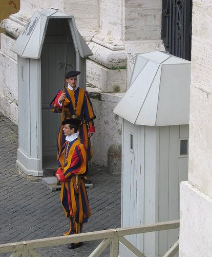 ¿Por qué la Guardia Suiza es la encargada de la seguridad del Vaticano?