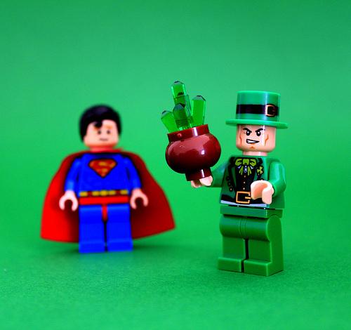 Sabas que la kryptonita s existe ya est el listo que todo lo existe la kryptonita homenaje al 75 aniversario de superman urtaz Images