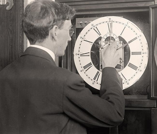 ¿Realmente sirve de algo adelantar o atrasar una hora?