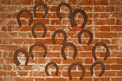 ¿De dónde surge la superstición sobre las herraduras y la buena suerte?