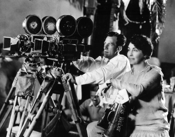 ¿Quién fue la primera mujer directora en la historia del cine?