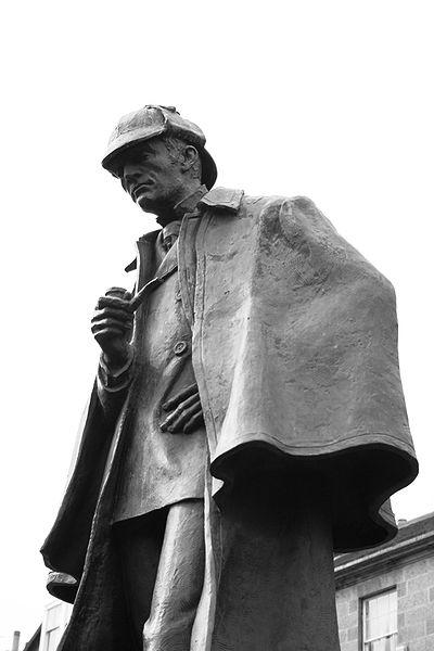 ¿Sabías que Sherlock Holmes jamás pronunció la frase 'Elemental, querido Watson' en ninguna de las novelas de Conan Doyle?