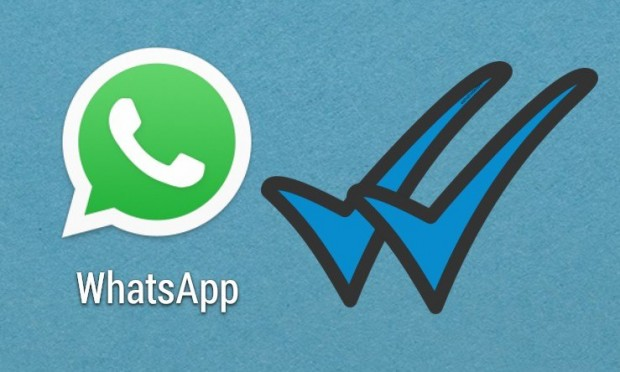 Cómo eludir que sepan por el doble check azul cuándo has leído un mensaje en WhatsApp
