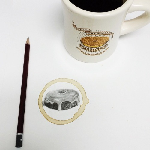 Carter Asmann: papel, lápiz y una taza de café bien cargada de talento