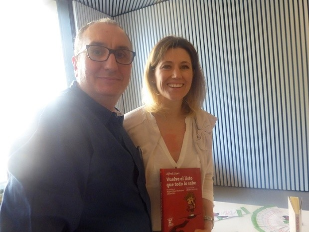 Alfred López con la psicóloga y escritora Silvia Álava