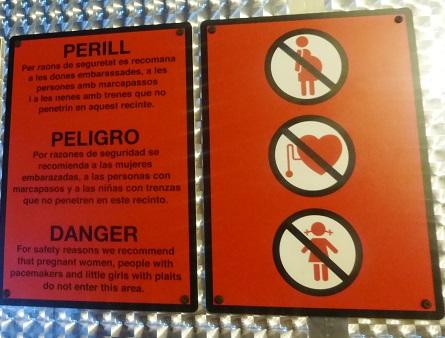 Cartel de advertencia en la exposición 'Sputnik la odisea del Soyuz 2' del Cosmocaixa
