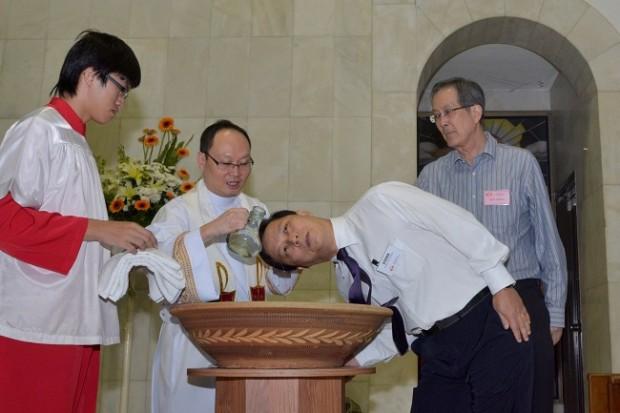 ¿De dónde surge llamar 'bautismo de fuego' a la iniciación en alguna práctica?